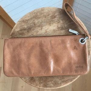 HOBO Bags - Hobo clutch wristlet in tan leather zip close NWOT